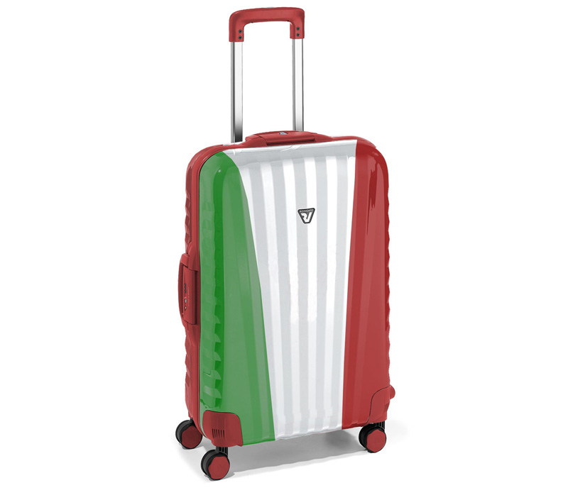 実際にはスーツケースとキャリーケースには大した違いはない?