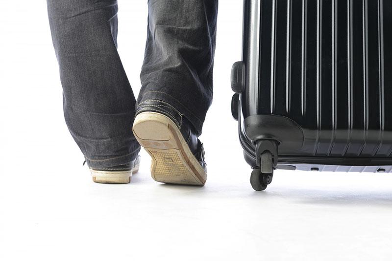 スーツケースにはキャスターがあるとは限らない