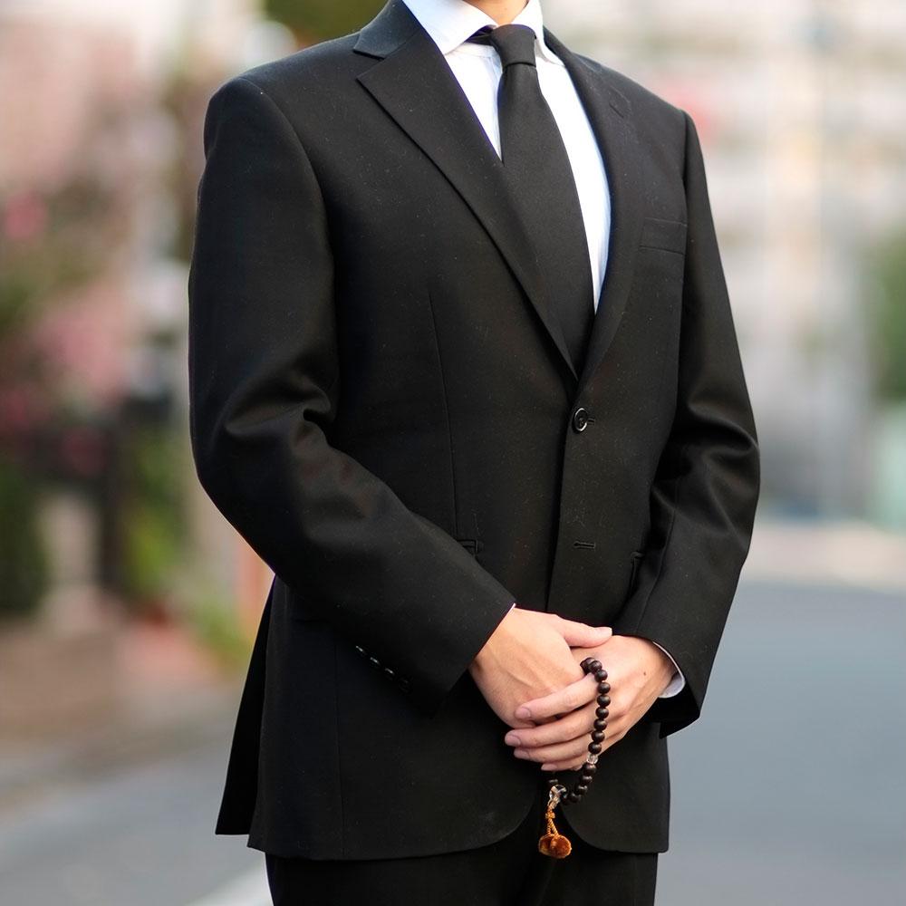 男性がお葬式に参列する場合、手ぶらが一般的